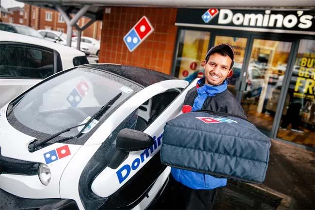 Курьер Доминос Пицца
