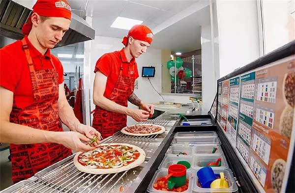 Пиццамейкеры в Папа Джонс